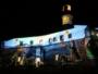Projeção conta a história do Natal na fachada do Farol da Barra
