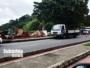 Agentes da Sedur retiram estruturas irregulares que ficavam do lado do Ponto de ônibus em Plataforma